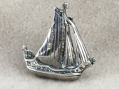 An Antique/Vintage Solid Silver Galleon/Sailing Ship Brooch, Heavy