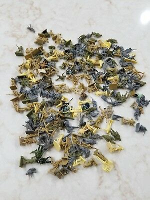 Vintage miniature soldiers army man plastic mixed lot Over 100 pieces militia
