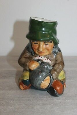 Roy Kirkham , Toby Jug 10,  12 cm tall Old woman Staffordshire England
