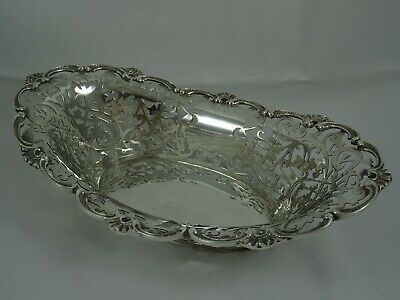 PRETTY solid silver BREAD  BASKET, 1901, 341gm