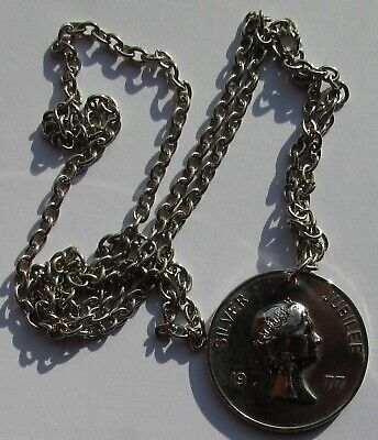 Queen's Silver Jubilee Medallion And Chain