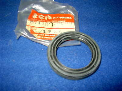 Suzuki  Gen Nos 38 X 54 X 8 Drive Shaft Seal 27432-70C00
