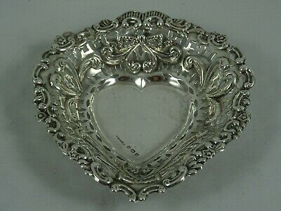 PRETTY solid silver HEART shaped TRINKET DISH, 1901, 30gm