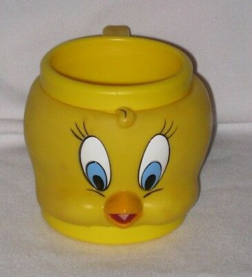 1992 Looney Tunes Tweety Bird 3D Face Plastic Mug from KFC - Pre-Owned