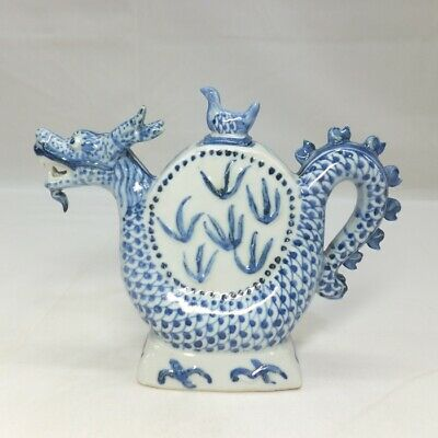 D698 Chinese blue-and-white porcelain pot of popular dragon image with good work