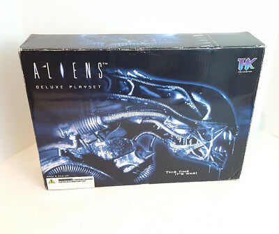 THK Tree House Kids 2004 Aliens Deluxe Playset