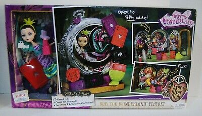 Ever After High Way Too Wonderland Playset, Princess doll dolls play Raven Queen