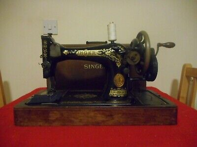Vintage Singer 28 Hand Crank Sewing Machine With Bow Top Case.