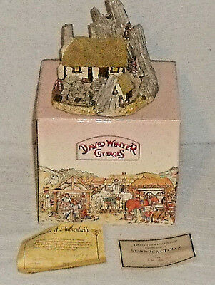 David Winter Cottages CROFTERS COTTAGE 1986 In Box With Paperwork