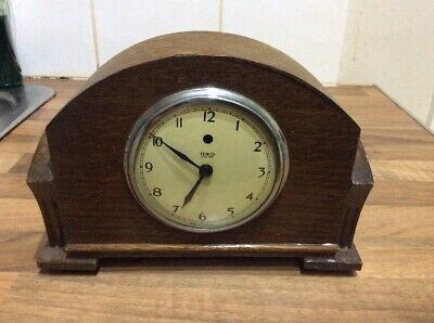 Vintage 1940's TEMCO OAK CASED ART DECO STYLE ELECTRIC MANTEL CLOCK For Repair
