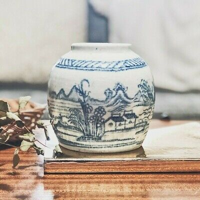 vintage blue and white chinoiserie Chinese oriental vase urn pot