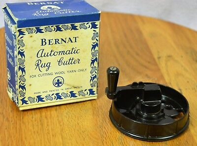 Bernat Automatic Rug Cutter for Cutting Wool Yarn with Box and Instructions
