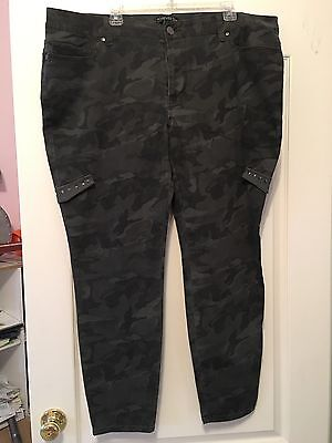 70be01eab7 FOREVER 21 PLUS Army Camo Size 20 Jeans - $22.00 | PicClick