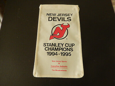 NEW JERSEY DEVILS 1994-1995 Stanley Cup Champions SOUVENIR PUCK In ... 7103a73b8