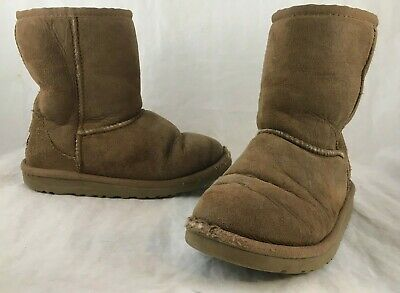 920779eb405 GIRLS UGG BOOTS T Classic 5251T Chestnut (Che) Toddler Size 7 ...