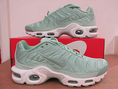 NIKE WOMENS AIR Max Plus SE Running Trainers 830768 331