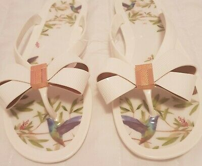 ae1896317 TED BAKER BLACK Patent Bow Flip Flops- Size 4 - EUR 12