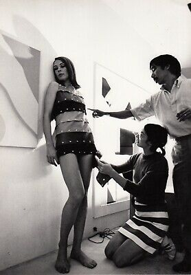 Emmanuelle Khanh et le Designer Quasar Khanh, The Stripper Dress  circa 1966