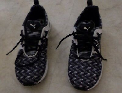 08e560598ab1 PUMA IGNITE Flash Geo Women s Running Shoes 9 1 2 worn once pattern black