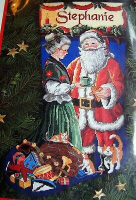 NIP Dimensions PAUSE FOR CLAUS Christmas Santa Cat Stocking Needlepoint Kit 9115