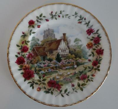 """Royal Albert Old Country Roses Cottage 8"""" Salad Plate 1988 England"""