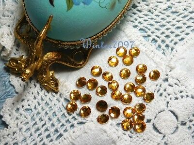 (148)*Costume Makers Sellout**Flat Back Rhinestones**Gold**Round*New!*