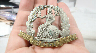 WWI WWII British Army Norfolk Regiment Hat Badge