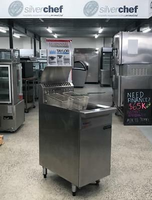 Waldorf 450mm Gas Fryer     Model :FN8120G