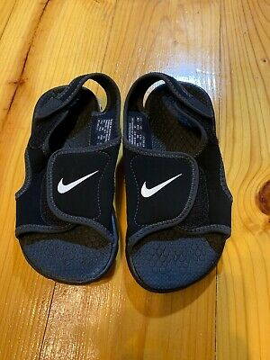 TODDLER BOYS SIZE 11 Black Nike Sandals Velcro Euc -  20.00  602da4599