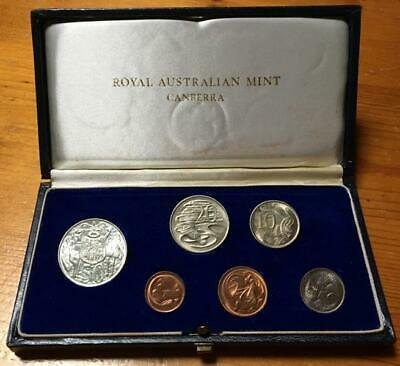 1966 AUSTRALIAN 6 COIN UNCIRCULATED MINT SET in ORIGINAL DARK BLUE PROOF CASE.