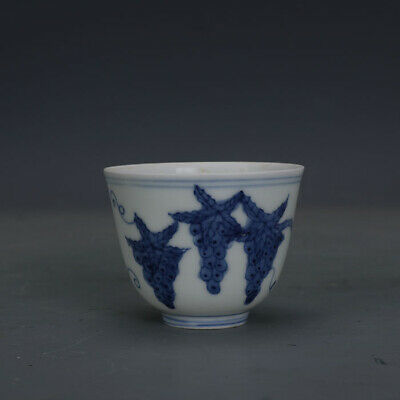 Ming chenghua mark China antique Porcelain Hand painting blue white Grape cup