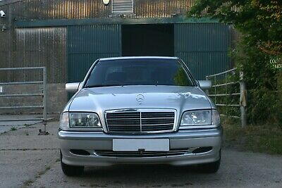 Mercedes Benz C200 Elegance  1 owner from new