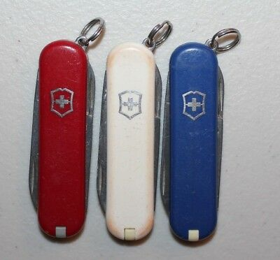 VICTORINOX Swiss Army Knife Classic SD Red, White & Blue--LOT OF 3  (UDV671)