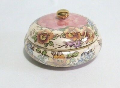 Maling ROSINE Lidded Powder Bowl. In excellent condition.