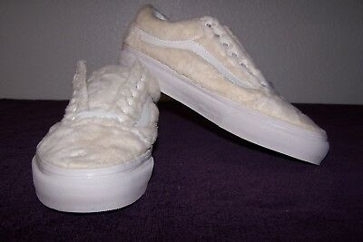 ce8fd045bb8be4 VANS Old Skool (Sherpa) Women s Skaters Turtledove Blanc Size 10 NWOB!  AWESOME