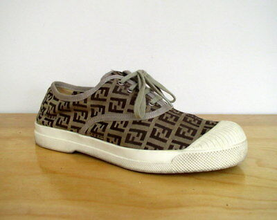 Fendi Womens Athletic Shoe Brown Zucca Monogram Canvas Vintage 90s Sneaker  36 eae1ad3eb8a
