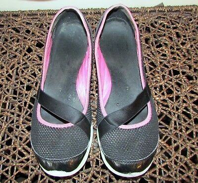 WOMEN'S SKECHERS SCOTCHGARD and Water Resistant BlackPink Golf Shoes Size 9