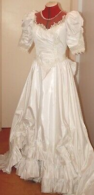 Vintage 1980s Bridal or WEDDING DRESS, Elegant Gown, Rounded TRAIN, beads! 10