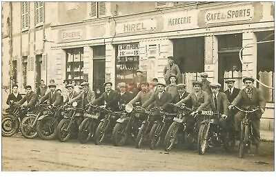 35 HIREL. Groupe de Motards pour Rallye ou course de motos devant Epicerie(1889)