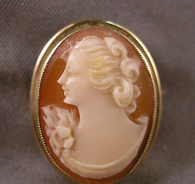 Small Vintage Italian Hand Carved Shell Lady Cameo & 10K Gold Brooch Pendant