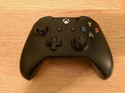 Official Xbox One Black Wireless Controller 1697 with 3.5mm socket.
