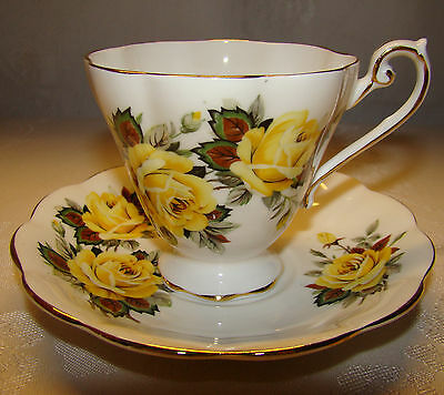 Vintage Royal Standard ENGLAND Cup & Saucer Yellow Roses with Gold Trim