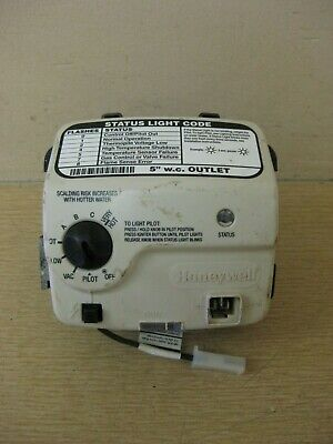 AO Smith Honeywell WV8840B1110 321166-000 Water Heater Gas Valve Thermostat Used