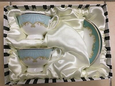 Tea Set With Green Striped Pattern. 2 Cups And 2 Saucers. Fine Bone China.