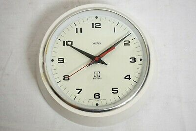VINTAGE 1960s SMITHS ELECTRONIC SCHOOL/ OFFICE STYLE WHITE WALL CLOCK