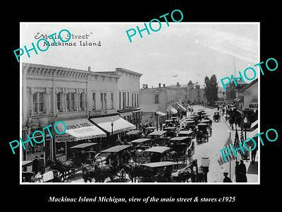 OLD LARGE HISTORIC PHOTO OF MACKINAC ISLAND MICHIGAN, THE MAIN St & STORES c1925