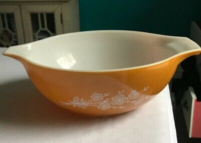 Vintage 1970s Pyrex (Corning) BUTTERFLY GOLD Cinderella Large Mixing Bowl 444