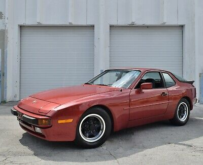1983 Porsche 944  Only 43K Miles-5 Speed Manual-Window Sticker-Service Records-Recently Serviced