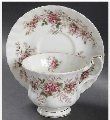 NEVER OPENED Royal Albert Lavender Rose Footed Teacup & Saucer Set Of 4