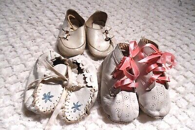 Leather White Baby / Doll Shoes - Very Vintage - Precise Age Unknown